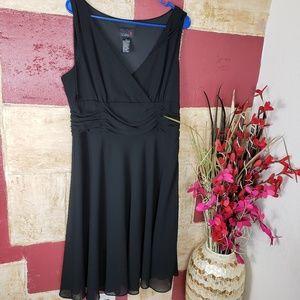 Scarlett women's Black Sleeveless Dress size 14